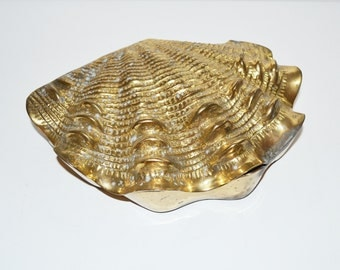 Vintage Brass Clam Shell Brass Seashell Box Mid Century Modern LARGE Clam Shell Nautical Beach Decor Wedding Decorations