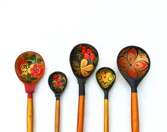 Vintage set wooden spoons and bowl - Russian Folk Art 70s