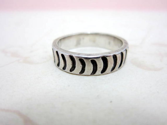 sterling silver crescent moon handmade ring band size 8 European size Q