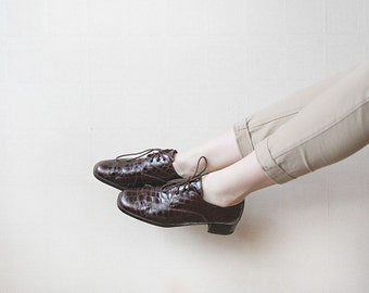 Brown patent reptile skin imitation leather shoes 6.5