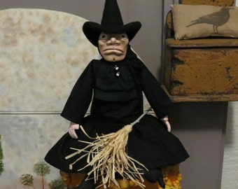 PRIMITIVE WITCH in BLACK