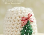 Newborn girls Christmas tree crochet beanie hat photography prop embellished with a ribbon bow & beads./ UK Seller.