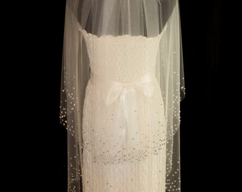 Two-Tier Bridal Veil with Crystal Edge, Fingertip Length (40 inch) Wedding Veil with Blusher, White or Ivory Veil, Style 1040 'Amanda'