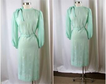 Vintage Dress | Mint Green Belted Shift Dress | 1980s | Medium