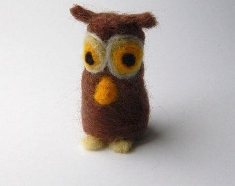 Felted owl, miniature owl figure, needle felted pocket animal, small brown owl, toy owl,ornament for decoration