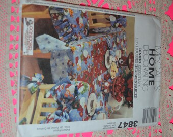McCalls  3847 Home Decorating Dining Essentials Sewing Pattern - UNCUT