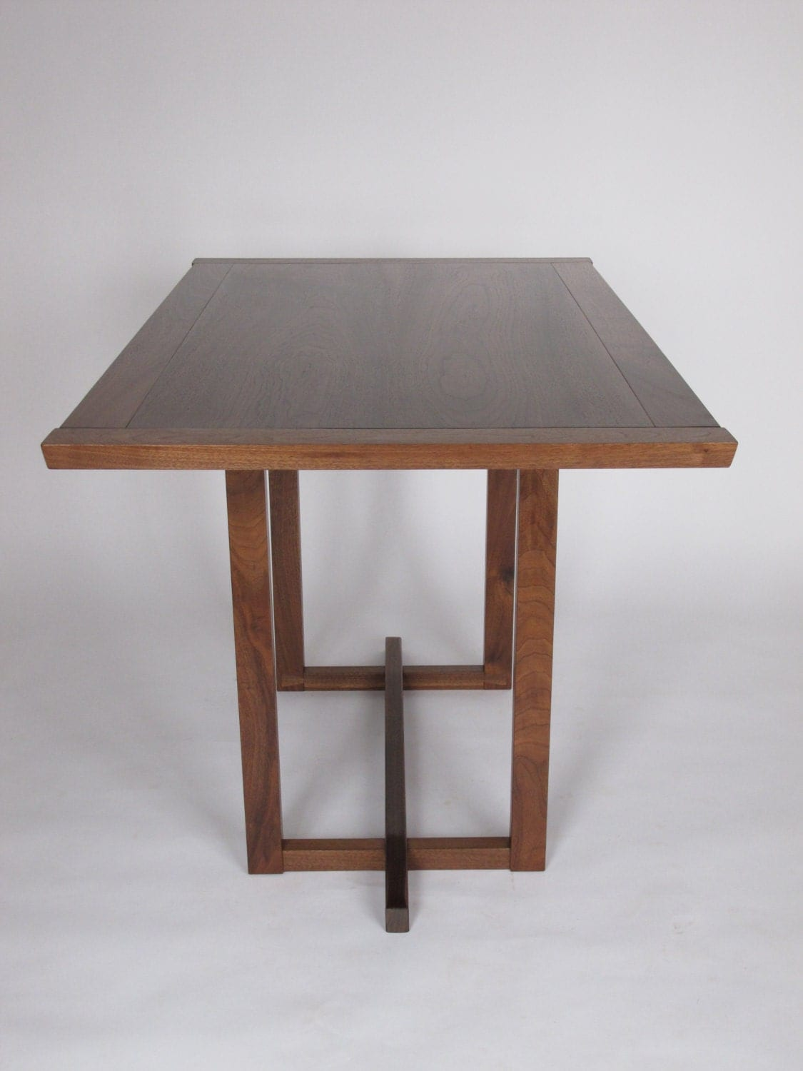 Narrow dining table for a small dining room pedestal table for Dining table space