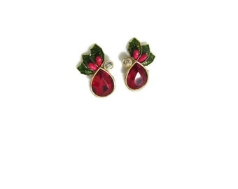 Holly Accent Vintage Christmas Earrings
