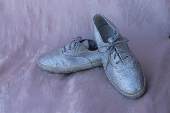 80 s silver metallic tennis shoe dress shoe zippy by