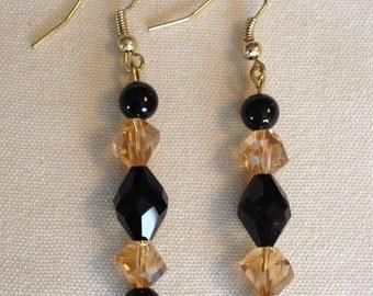 Black and Gold dangle earrings-(st6)