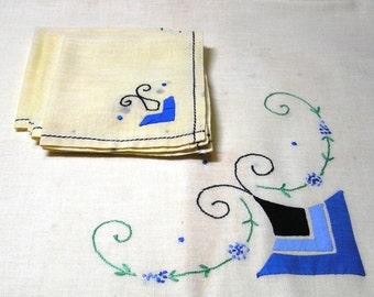 1960s Vintage Tea or Bridge Tablecloth & 4 Lunch Napkins with Blue Appliques and Black Embroidery, 100% Cotton, Vintage Linens, Bridge Set