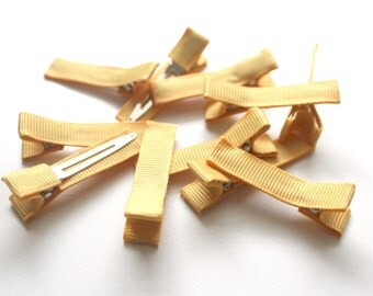 10 Partially Lined Clips - Golden