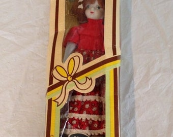 Vintage 1970 Porcelain Dolls of All Nations Spain HAND PAINTED-Original Box