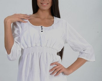 Light cotton tunic with lace details