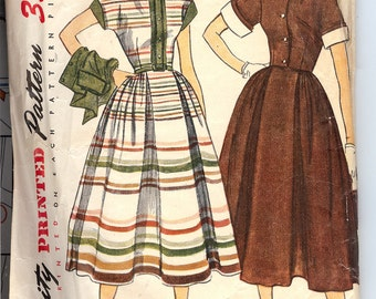 Simplicity 3436 Sewing Pattern  1940's Junior Misses' and Misses' One-Piece Dress and Jacket with Detachannle Collar and Cuffs. ID568