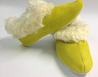 Genuine shearling slippers for women, shearling slippers, shearling shoes, fur slippers, real fur slippers, sheepskin slippers. Genuine fur.