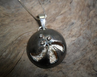 3 diamonds ornate sterling silver pendant