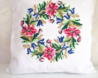 Hand-stitched pillow with flowers, size 15.7x15.7 inches