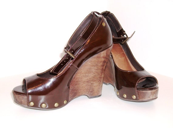 vintage office rockabilly wooden wedge shoes by indianas