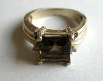 Vintage sterling silver clear brown CZ ring, size 5.5