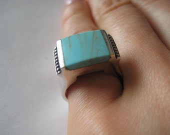 Vintage Blue Turquoise sterling silver Ring size 6