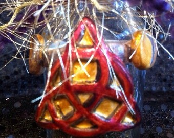 Triquetra Spell Bottle with Prosperity Powder