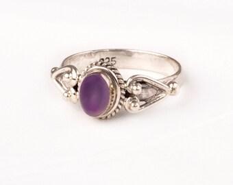 Stunning Vintage Silver Ring with fine Amethyst gem. Unique design.