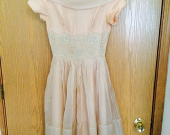 1950s pink dress