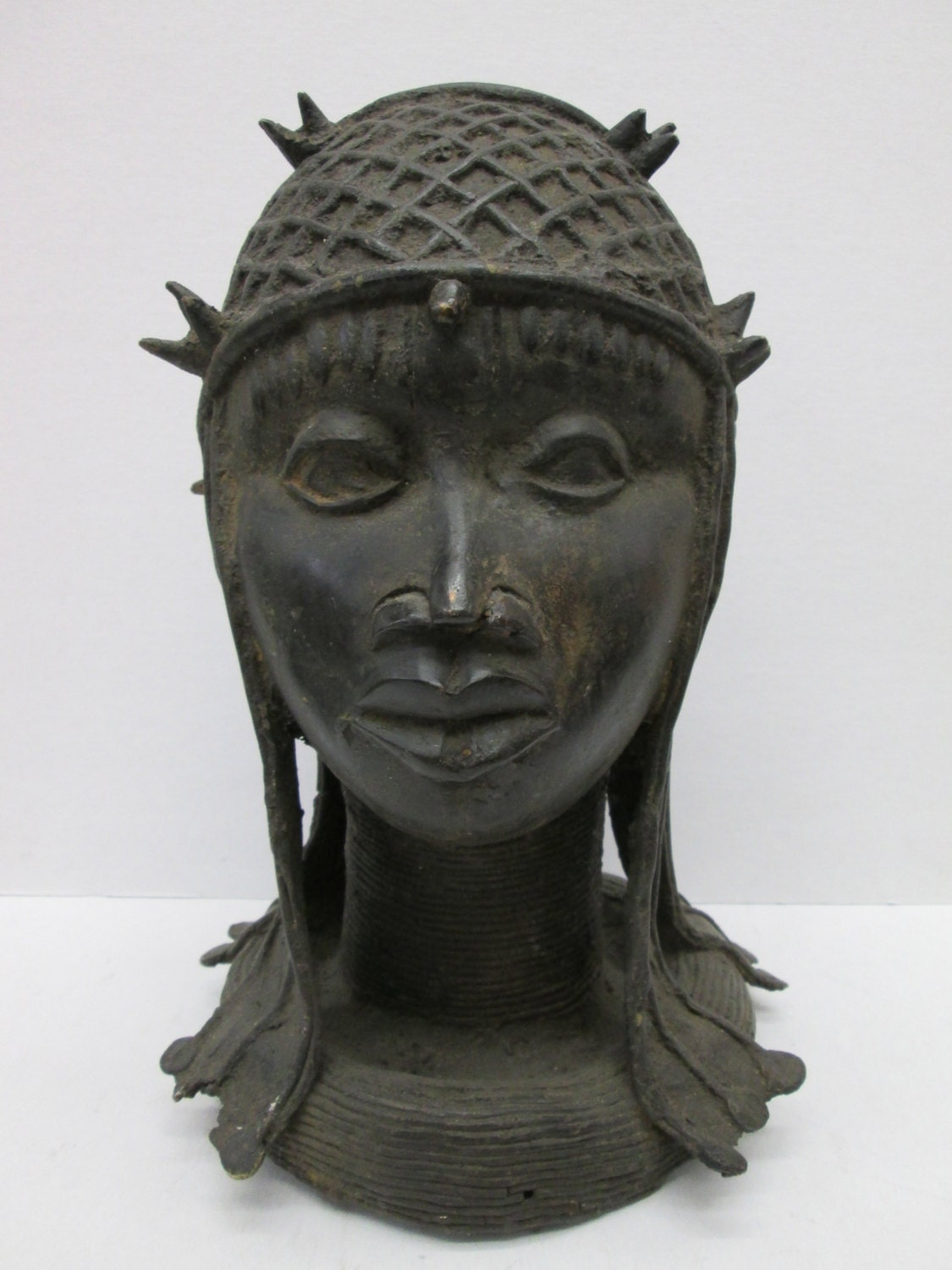 the benin bronzes essay Benin is well known for its brass sculptures and plaques their function was to please the ruler by recording great moments in the nation's history and thus displaying his power for example, the ruler had his great achievements recorded on plaques which would then adorn the walls of his residence.