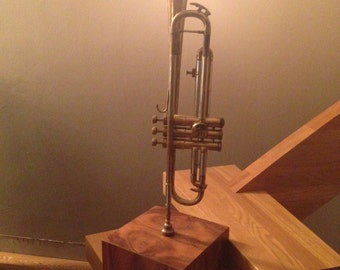Trumpet Lamp - that pretty much sums it up.