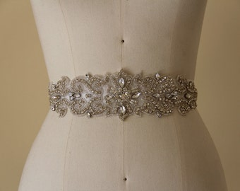 Wedding Belt, Bridal Belt, Sash Belt, Wedding Accessory made of clear crystal and Beads.