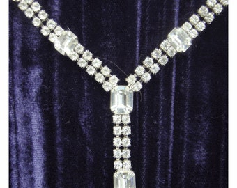 ON SALE - Dazzling Mid Century Fancy Paste Rhinestone Drop Necklace - Wedding