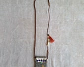 Long pouch necklace in brown
