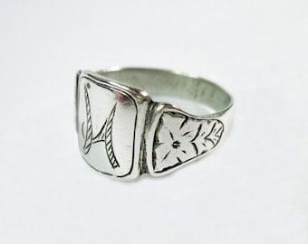 Vintage Silver Signet Ring - Size 10