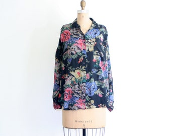 SALE    ladies rayon shirt - floral print blouse / Garden Flowers - vintage 80s 90s / soft grunge
