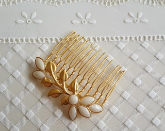 Gold Hair Comb With Ivory Pearls - Bridal hair accessories -  Wedding Hair Jewelry - Wedding Hair Comb - Leaf Hair Comb - bridal head piece