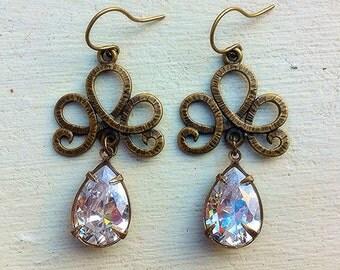 Clear Crystal Earrings/Swarovski Crystal Earrings/Chandelier Earrings/ Romantic Wedding Earrings/Bridesmaid Earrings/Mother's Day Gift
