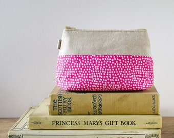 make up bag // pink and white dot cotton & linen zipper pouch // cosmetic storage