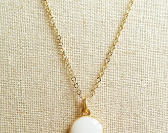 White Necklace, White Round Necklace, White Resin Disc Necklace, Ivory Necklace, Gold Chain White Necklace, Resin Jewelry For Her