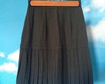 Green Skirt Pleated  Schoolgirl  Uniform Style Skirt with Pleats.