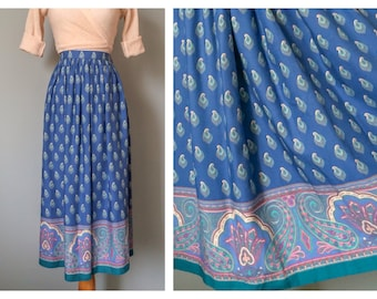 Vintage Blue Paisley Prairie Skirt 1970s Turquoise and Pink Lightweight Soft Midi Full Skirt Over the Knee Two Pocket Size S Medium 4 6 8