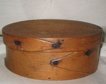 Mid 1800s Shaker Pantry Box Original 2 Finger Oval Wooden Box Americana Primitive