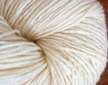 SOCK Merino Tussah Silk Undyed Yarn, Fingering Weight Ecru Sock Yarn Base, Undyed Sock Yarn Blank, Undyed Tussah Silk Sock Yarn