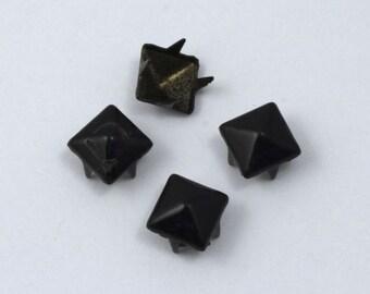 7mm Black Square Pyramid Stud (20 Pcs) #1655