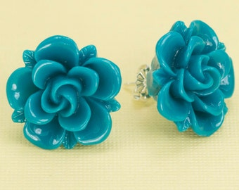 Turquoise Flower Post Earrings 20mm