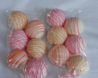 Cake Pops: Vanilla Cake Bitty Bites. Mother's Day, Birthday gift, weddings, baby, Gift under 20.00. Party favor. Cake pops. Candy, hostess