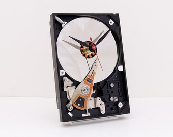 Clock made from a Computer hard drive