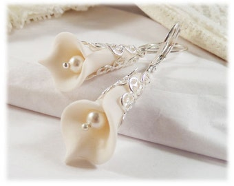 White Calla Lily Earrings - Calla Lily Pearl Earrings, White Calla Lily Jewelry, White Flower Earrings, Wedding Calla Lily Earrings