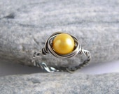 Yellow Pearl Silver Ring, Freshwater Pearl Oxidized Sterling Silver Braid Hammerd Ring
