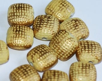15 pcs of Vintage Acrylic brush square beads 19x10mm Butter with gold accent